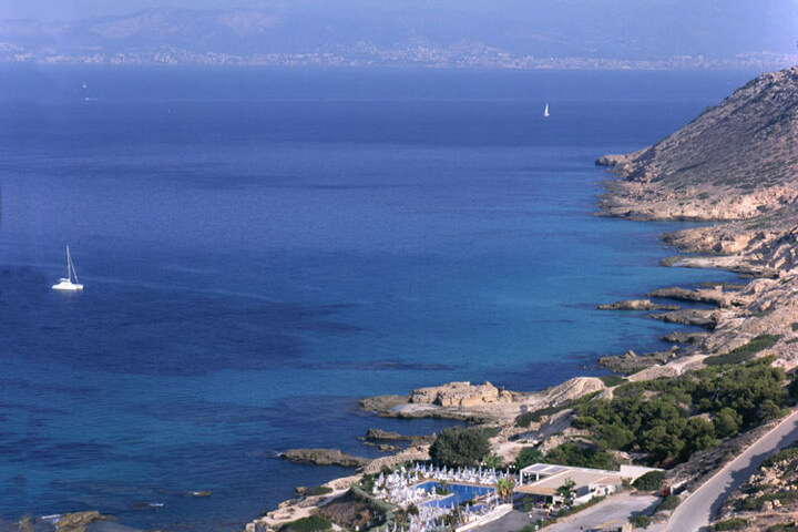 fishingtripmajorca.co.uk boat trips to Cabo Blanco in Majorca
