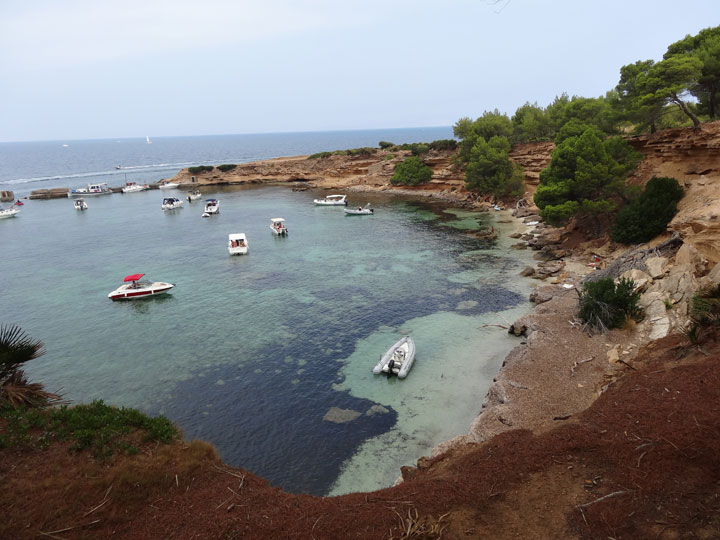 fishingtripmajorca.co.uk boat tours to Calo Arta in Majorca