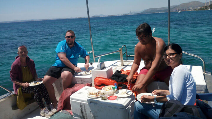 www.fishingtripmajorca.co.uk boat tours in Majorca with Batlets